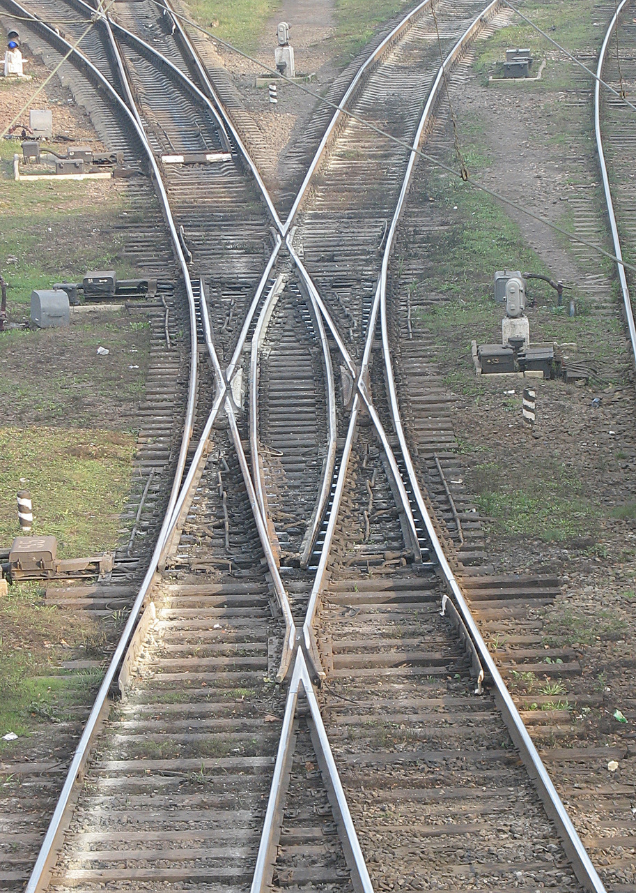 Rail_X-switch_Shepetivka.jpg