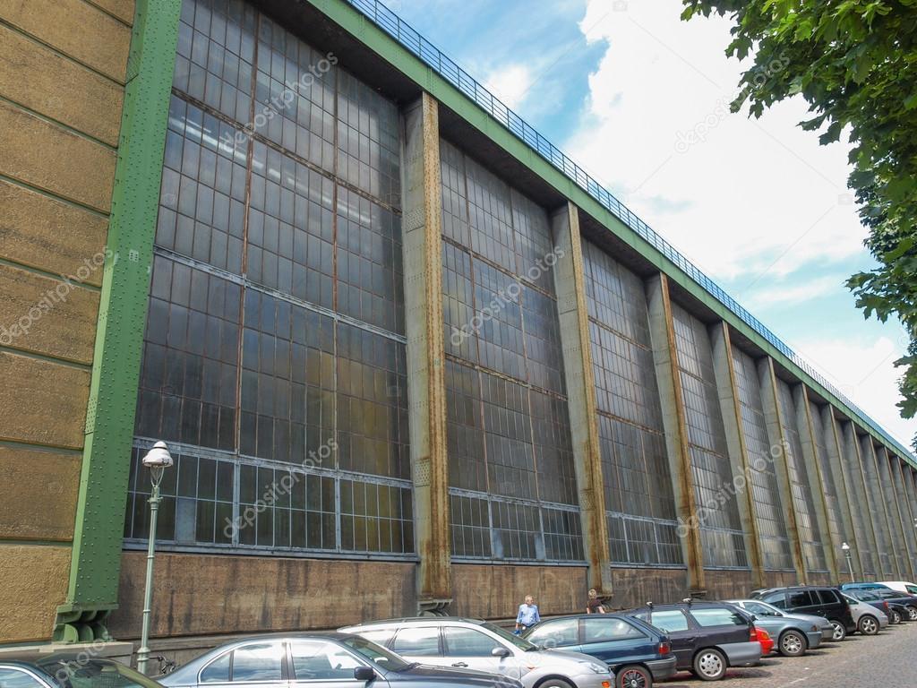 depositphotos_39048181-stock-photo-aeg-turbinenfabrik.thumb.jpg.637e5da4da602191d2fc25e5b0088e2f.jpg